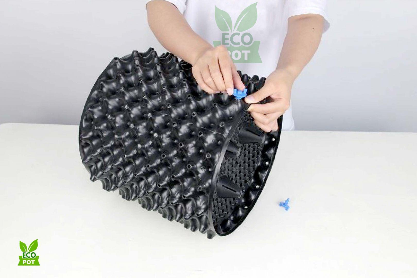 Bước 3: Sử dụng vít để cố định vị trí đầu và cuối của điểm giáp mí của bầu ươm